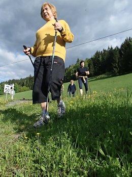 Nordic Walking II. Po valašských kopcoch._1121