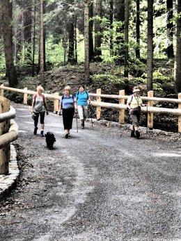 Nordic Walking II. Po valašských kopcoch._1302